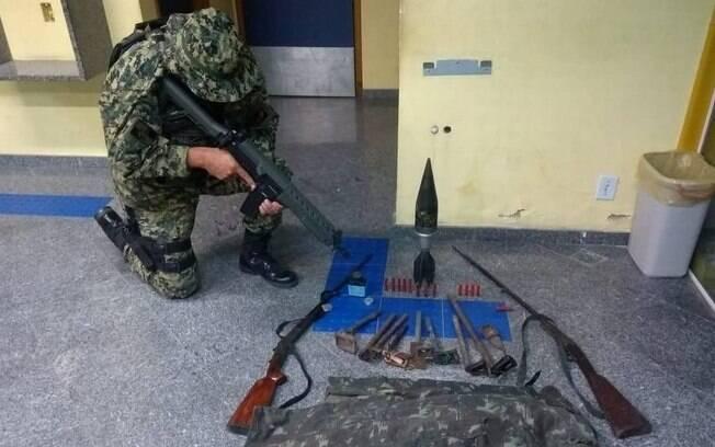 Munição de canhão foi apreendida em ação da PM do Rio de Janeiro