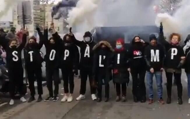 População tomou as ruas em vários locais da França