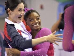 Simone Biles é a primeira mulher a faturar títulos consecutivos no individual geral em 11 anos