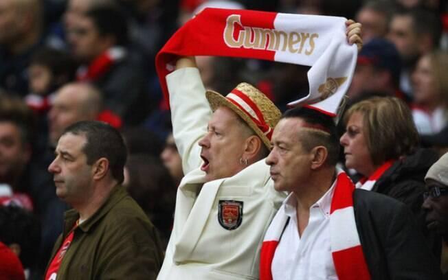 Johnny Rotten, líder do Sex Pistols, mostra  seu amor pelo Arsenal