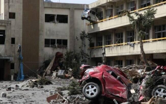 Imagens mostram a força e violência do tsunami