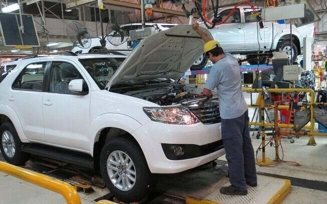 A Toyota produz a picape Hilux e o utilitário SW4 em Zárate.