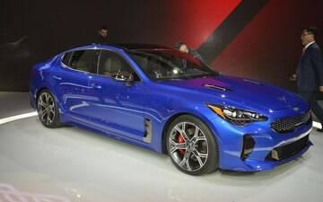 Kia apresenta sedã esportivo para brigar com Audi, BMW e Mercedes