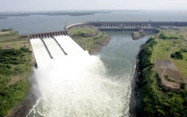 Usina de Itaipu é responsável por 17% da energia consumida no Brasil e 76% da demanda paraguaia