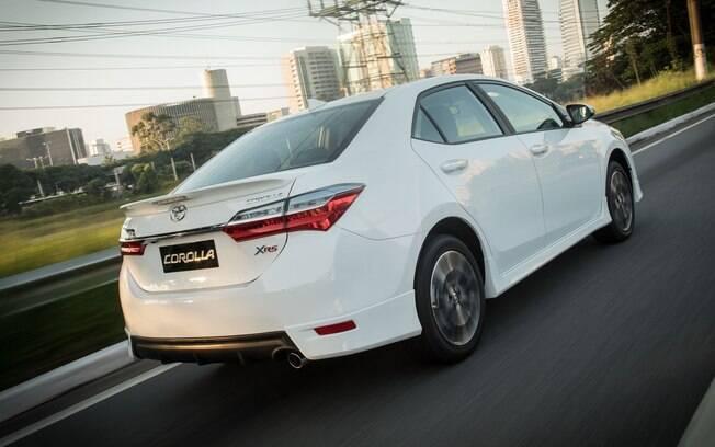 Toyota Corolla continua líder absoluto de vendas entre os sedãs médios vendidos atualmente no Brasil