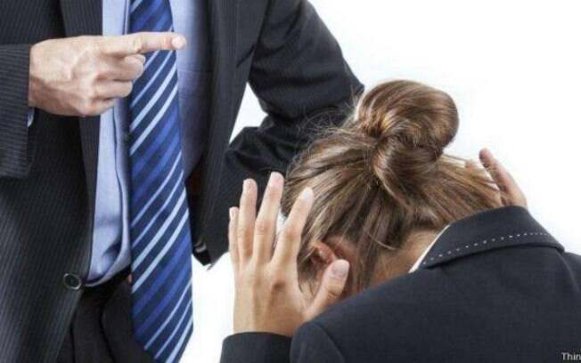 Os episódios de assédio moral no trabalho começaram após a funcionária requerer pagamentos
