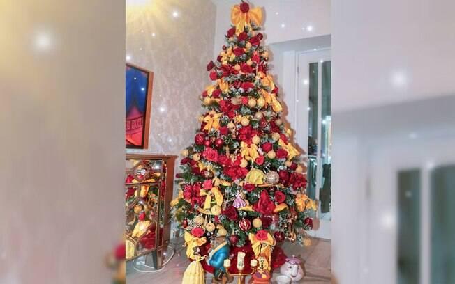 Sian Teesdale é fanática pelo mundo Disney e, por isso, resolveu montar uma árvore de Natal com o tema de