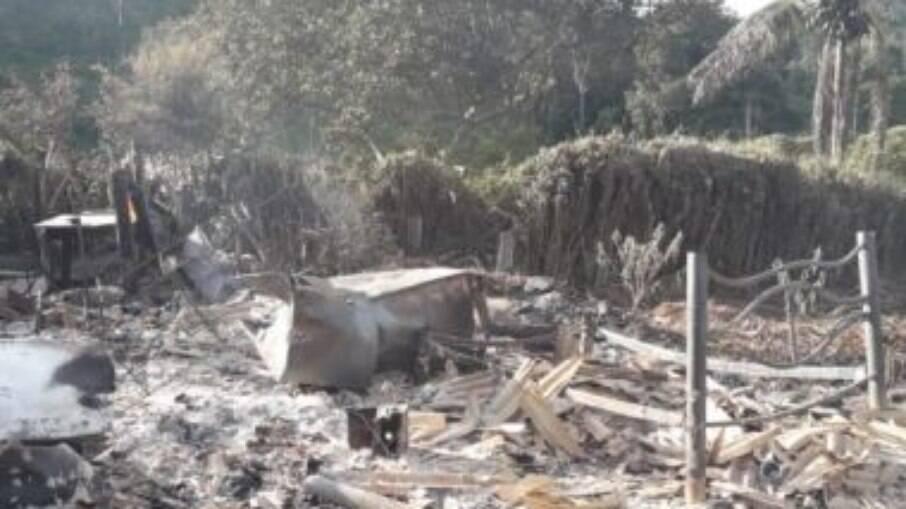 Registro da casa após explosão