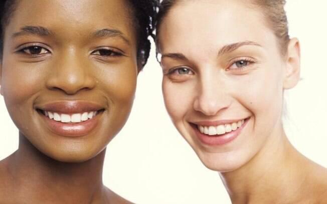 56% das brasileiras têm pele oleosa e se preocupam com a aparência brilhante do rosto. O problema tem solução, veja as dicas de especialistas