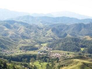 Pequena vila de Mauá é cercada por imensa área verde