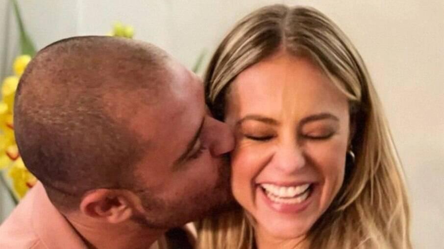 Diogo Nogueira fala do começo do namoro com Paolla Oliveira