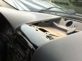 Fundos falsos em carro buscavam esconder a droga transportada