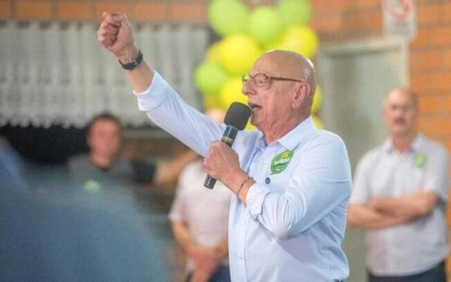 Em Santa Catarina, o candidato Espiridião Amin (PP) conquistou 18,77% dos votos válidos; a segunda vaga para o Senado ficou com Jorginho Mello (PR), que obteve a preferência de 18,07% dos eleitores
