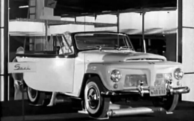 O conversível Willys Saci foi  a principal atração do primeiro Salão do Automóvel