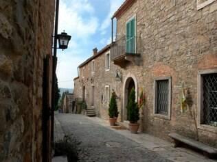 Nesse roteiro o turista pode provar a gastronomia local e os belos vinhos da região de Chianti