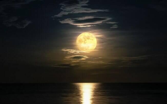Lua Cheia em Leão