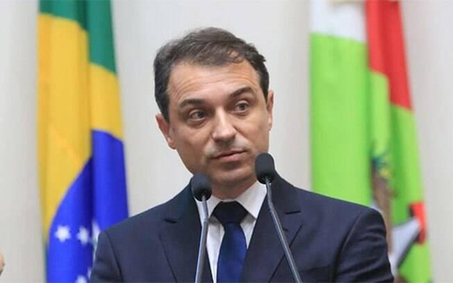 Governador de Santa Catarina, Carlos Moisés, disse que tomou remédios sem eficácia comprovada para se tratar da Covid-19