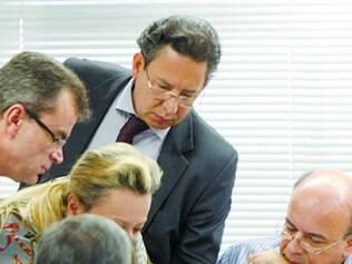 Acordo.  Representantes de Cruzeiro e Atlético discutem  setores que cada torcida ocupará no Mineirão