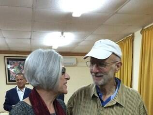 This photo courtesy of the office of US Senator Jeff Flake's(R-AZ) Twitter account, shows Alan Gross and his wife Judith before departing from Cuba on December 17, 2014. Cuba freed US citizen Alan Gross after five years of detention, as well as a