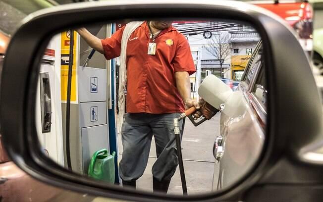 Um dia após anúncio do aumento do imposto sobre combustíveis, Impostômetro chegará a R$ 1,2 trilhão