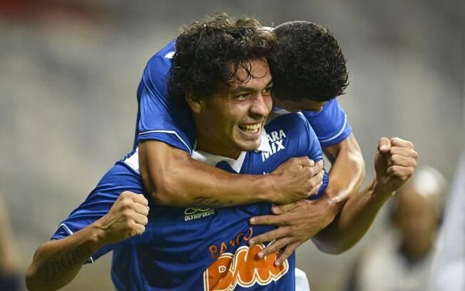 Ricardo Goulart comandou triunfo do Cruzeiro  sobre o Náutico no Mineirão