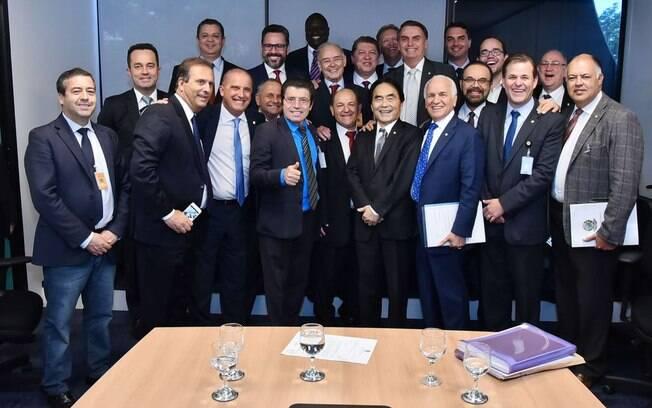 Presidente Jair Bolsonaro reunido com a bancada evangélica, que se encontrou com o secretário Rogério Marinho nesta terça