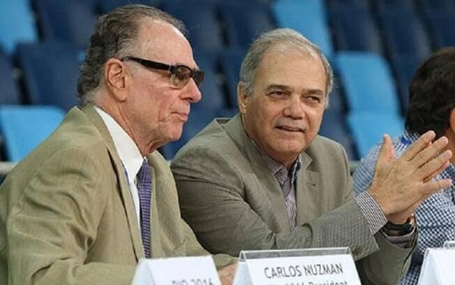 Paulo Wanderley%2C presidente do COB%2C ao lado de Carlos Arthur Nuzman%2C que está preso em casa%3B COI havia punido entidade após caso de corrupção