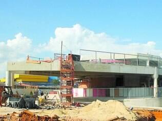 Em obras. Estação Pampulha, na Antônio Carlos, começou a operar ainda sem sua construção finalizada