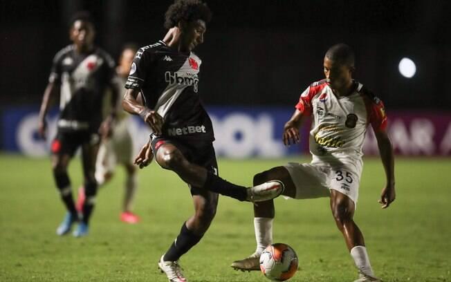 Vasco venceu o Caracas no primeiro jogo por 1 a 0