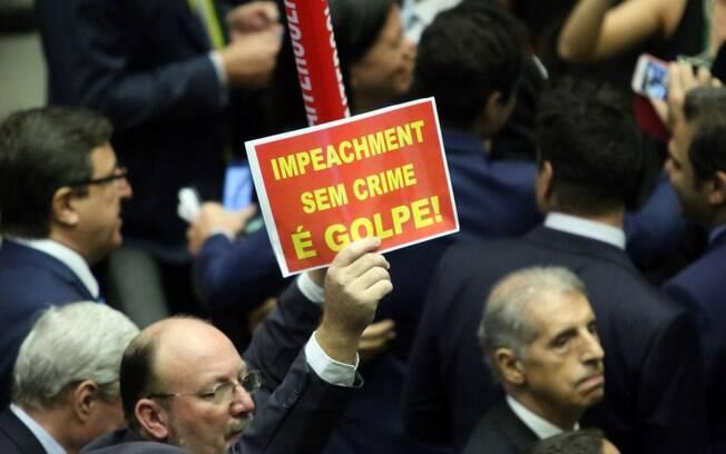 Deputados a favor de Dilma protestam contra o impeachment na Câmara. Foto: Antonio Augusto/ Câmara dos Deputados - 17.04.16