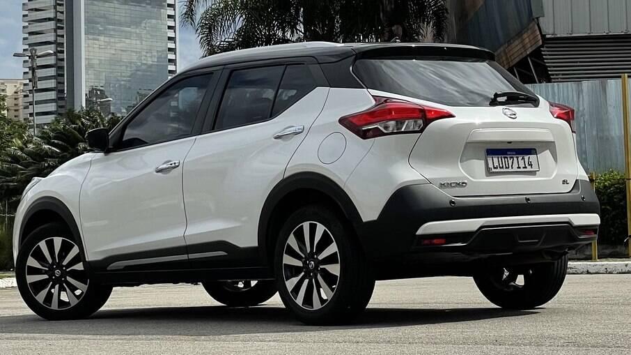 Ao contrário da frente, a traseira do Nissan Kicks vai mudar pouco na versão renovada que chegará ao Brasil