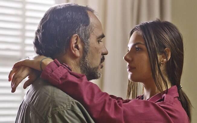 Catarina e Vitório fazem amor, mas a noite não termina bem