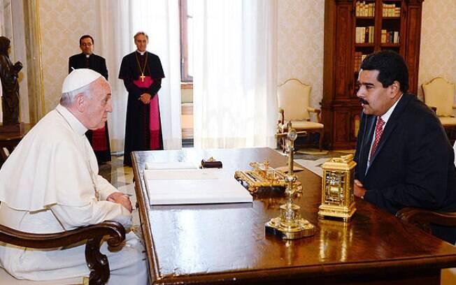 Em carta, papa Francisco lamenta falhas tentativas anteriores de amenizar conflito na Venezuela