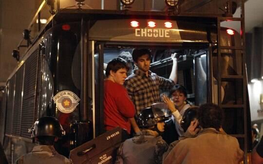 Protestos contra aumento da passagem ganham ato de apoio em 15 países - Brasil - iG