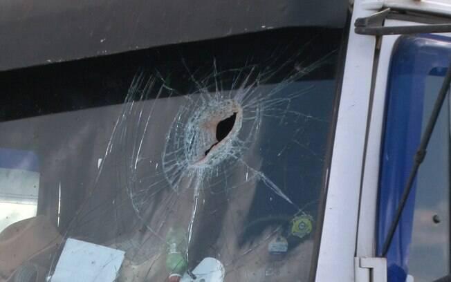 Caminhoneiro é morto com pedrada na cabeça após passar direto por concentração na BR-364, em Rondônia