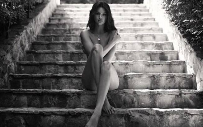 Kendall Jenner publica imagens onde aparece nua. Modelo posou para novo ensaio sensual