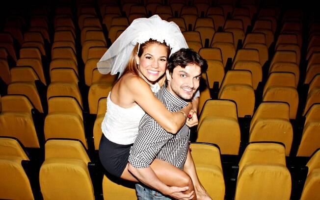 Nívea Stelmann e Maurício Machado, seu parceiro de cena na peça 'Uma batalha de arroz'