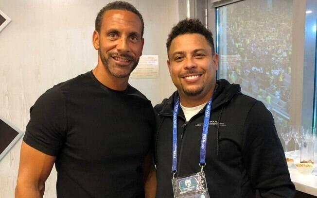 Ferdinand publicou foto ao lado de Ronaldo e desejou rápida recuperação