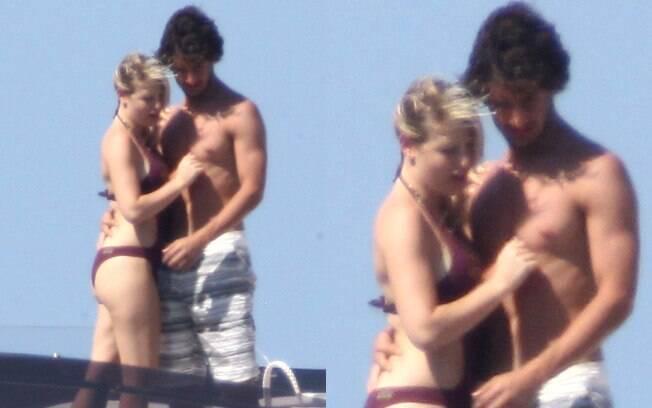 Pato e Barbara aproveitaram o fim de semana para navegar por Marinella, na Itália