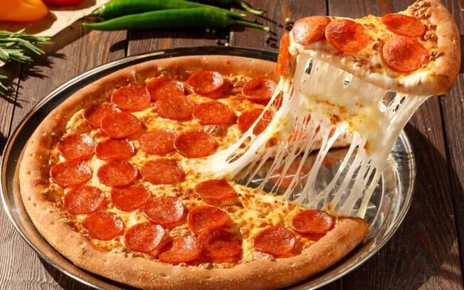 6 receitas de pizza para fazer em casa no feriadão