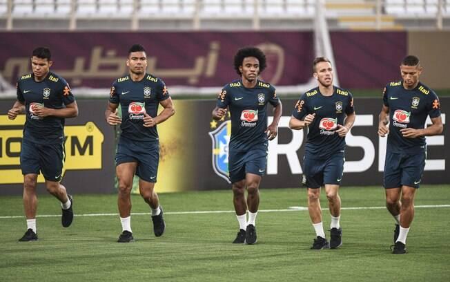 Seleção brasileira treina para enfrentar a Argentina