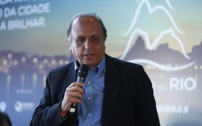 Luiz Fernando Pezão é acusado de fazer parte do esquema de corrupção do ex-governador Sérgio Cabral
