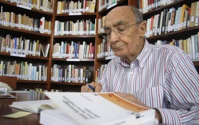 José Saramago foi o primeiro autor de língua portuguesa a ganhar o Nobel de Literatura