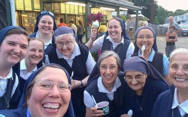 As Freiras usam as redes para mostrar o dia a dia do convento
