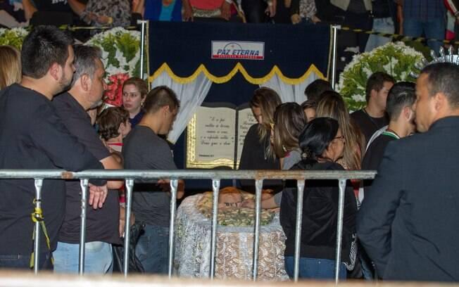 Corpo de Allana Coelho, namorada de Cristiano, também é velado em Goiânia. Foto: AgNews