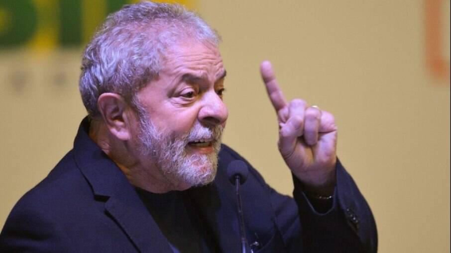 Lula reiterou que nem mesmo se lançou candidatura à presidência
