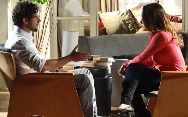 Ana conta que vai se casar com Lúcio e Rodrigo é grosso com ela