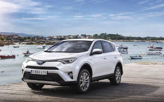 Sucesso em todo o planeta, o Toyota RAV4 é um dos SUVs que menos desvalorizam no Brasil
