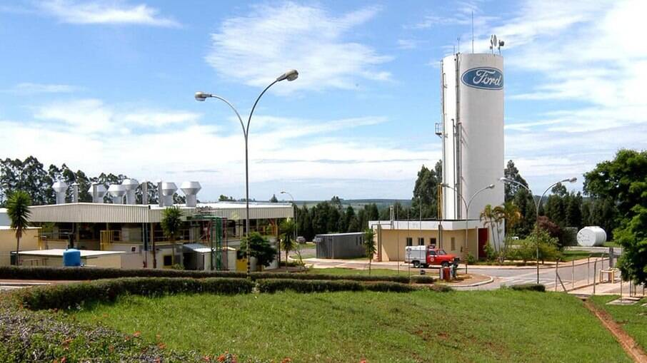 Após Ford anunciar saída do Brasil e convocar trabalhadores para produção de peças de reposição, operários não vão