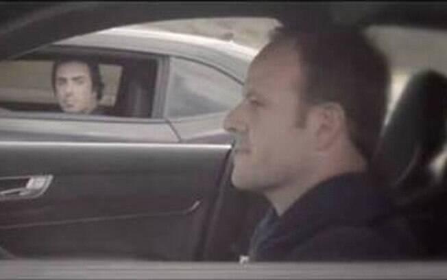 Rubinho Barrichello faz ponta como ator em videoclip